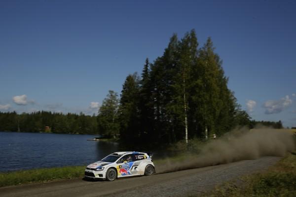 WRC 2014 FINLANDE- La POLO de Andreas MIKKELSEN.