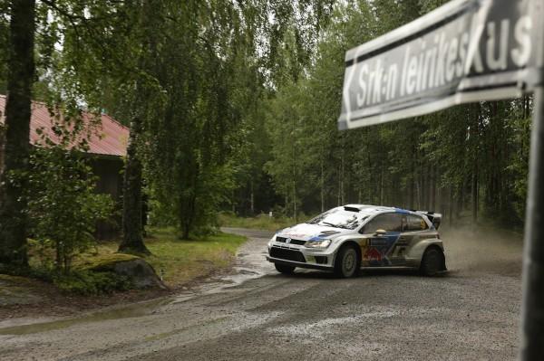 WRC 2014 FINLANDE VW POLO de MIKKELSEN.