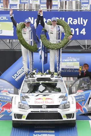 WRC-2014-FINLANDE-la-victoire-de-la-POLO-VW-de-LATVALA-ANTILLA-le-3-AOUT.