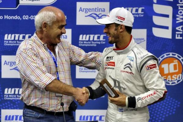 WTCC 2014 - ARGENTINE - JOSE MARIA LOPEZ félicité par le Ministre HENRIQUE.