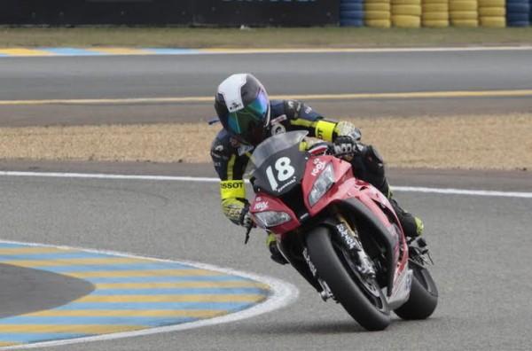 24-HEURES-DU-MANS-MOTO-2014-La-KAWASAKI-18-du-TEAM-18-SAPEUR-POMPIERS.