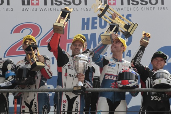 24-HEURES-DU-MANS-MOTO-2014-Les-pilotes-du-SERT-Vainqueurs
