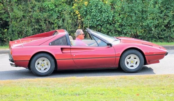 4ème-Traversée-de-Nantes-Ferrari-308-GTS-Photo-Emmanuel-Leroux