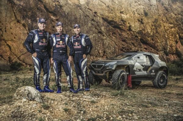 DAKAR 2015 ESSAI du PEUGEOT 2008 DKR Carlos SAINZ -Cyril DESPREZ et Stephane PETERHANSEL en test a CHATEAU LASTOURS