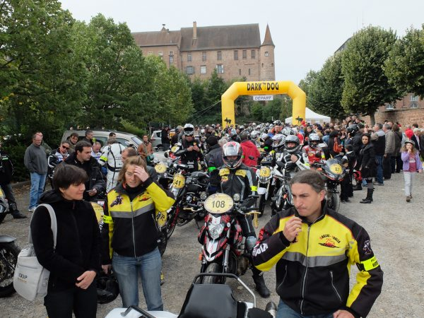 DARK-DOG-MOTO-TOUR-2014-SAVERNE-Ville-depart.