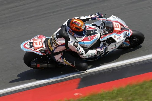 ENDURANCE MOTO 2014 - A OSCHERSLEBEN - La BMW PENZ - Photo FIM