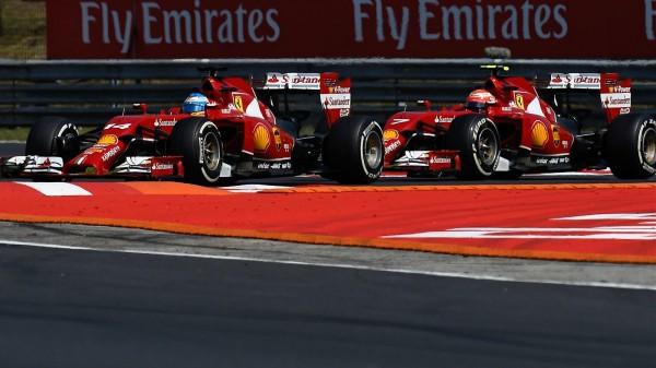 F1 2014  LES FERRARI - ALONSO devant RAIKKONEN