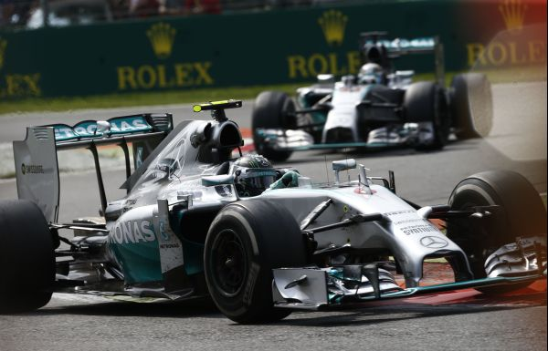 F1-2014-MONZA-les-deux-MERCEDES-de-Lewis-HAMILTON-et-ROSBERG
