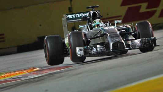 F1-2014-SINGAPOUR-HAMILTON-MERCEDE