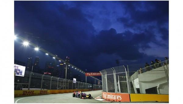 F1-2014-SINGAPOUR-La-RED-BULL-RENAULT-de-Seb-VETTEL