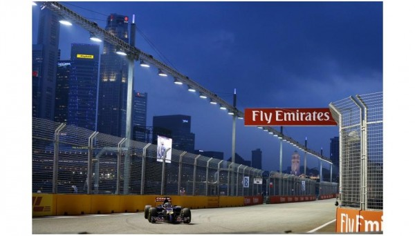 F1-2014-SINGAPOUR-La-TORO-ROSSO-de-Jean-Eric-VERGNE