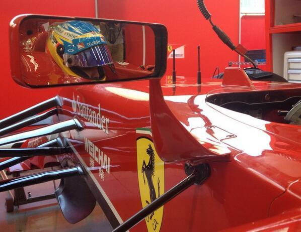 F1-2014-Test-a-Sakhir-BAHREIN-ALONSO-et-FERRARI.