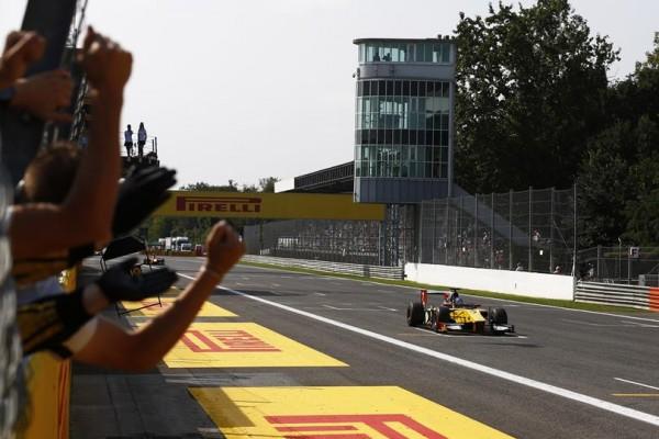 GP2  2014 - MONZA - Arrivée victoeieuse pour Jolyon PALMER dans la seconde course dimanche 7 septembre