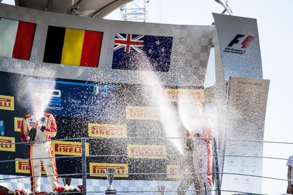 GP2-2014-MONZA-Festival-de-CHAMPAGNE-pour-Jolyon-PALMER-le-vainqueur-de-la-seconde-course-ce-dimanche-7-septembre