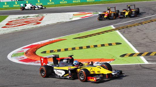 GP2-2014-MONZA-Jolyon-PALMER-fonce-vers-la-victoire-dans-la-seconde-course-devant-les-deux-Monégasques-COLETTI-et-RICHELMI.