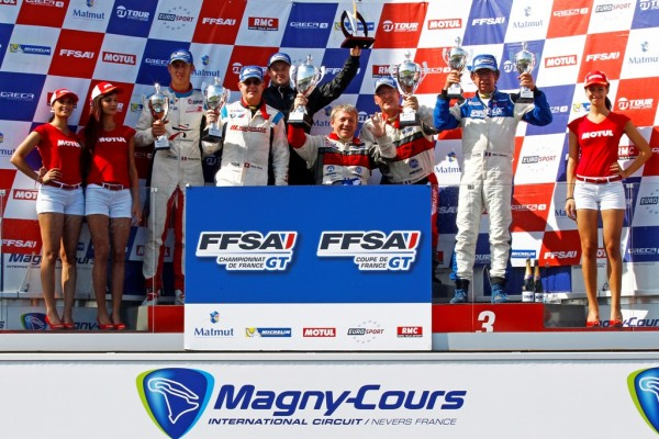 GT-TOUR-2014-MAGNY-COURS-LE-podium-de-la-seconde-course.