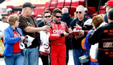 NASCAR LOUDON-Tony-Stewart-autographes