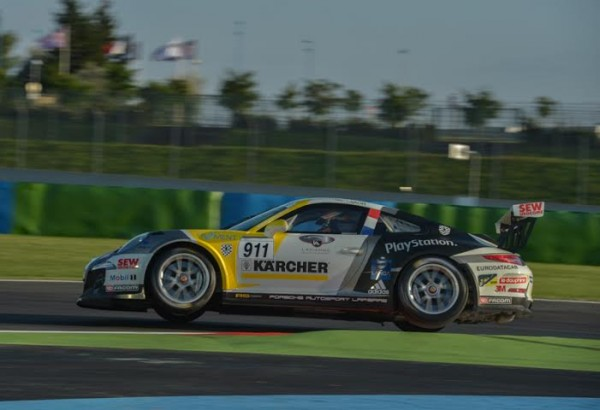 PORSCHE-CARRERA-CUP-2014-MAGNY-COURS-Christophe-LAPIERRE-Grosse-Attack-Photo-Antoine-CAMBLOR.