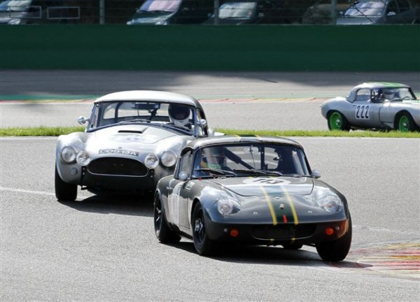 SPA-SIX-HOURS-2014-l-étonnante-Lotus-Elan-de-Wilson-Wolfe-Stirling-7èmes-et-vainqueurs-en-classe-GTS-10-©-Manfred-GIET-