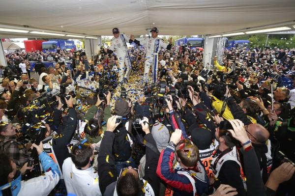 WRC 2013 ALSACE SEB OGIER et JULIEN ONGRASSIA VICTORIEUX du Rallye le dimanche 6 octobre.