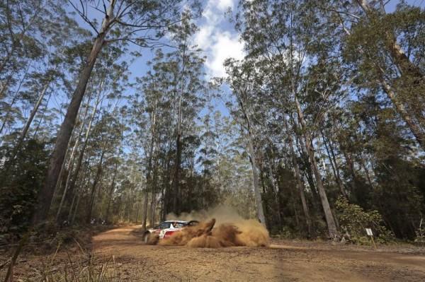 WRC-2014-AUSTRALIE-La-DS3-de-MEEKE.