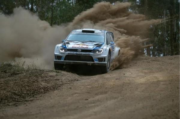 WRC-2014-AUSTRALIE-SEB-OGIER-et-Julien-INGRASSIA-filent-vers-la-victoire.