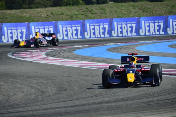 WSR-2014-PAUL-RICARD-COURSE-1-Carlos-SAINZ-Junior-devant-Pierre-GASLY-Photo-Max-MALKA