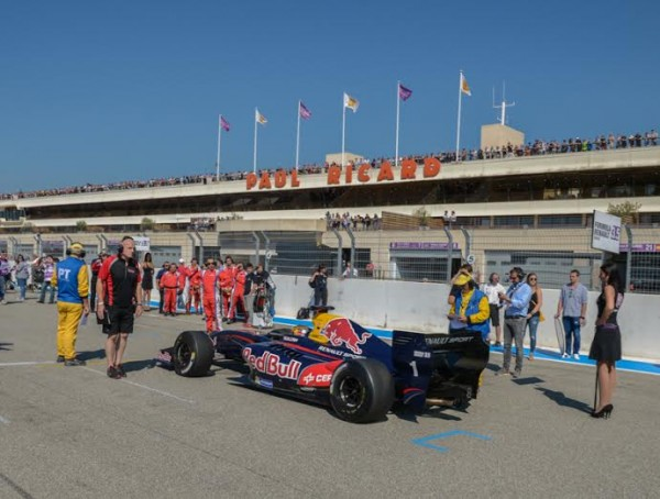WSR-2014-PAUL-RICARD-Carlos-SAINZ-Junior-en-pole-de-la1ére-course-Photo-Antoine-CAMBLOR