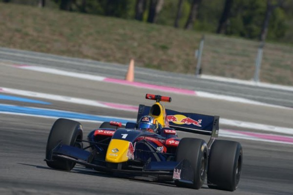 WSR-2014-PAUL-RICARD-Carlos-SAINZ-Junior-en-route-vers-la-victoire-dans-la-1ére-course-Photo-Antoine-CAMBLOR