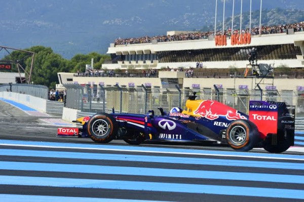 WSR-2014-PAUL-RICARD-DAVID-COULTHARD-en-Démonstration-au-volant-de-la-monoplace-F1-RED-BULL-RENAULT-Photo-Max-MALKA