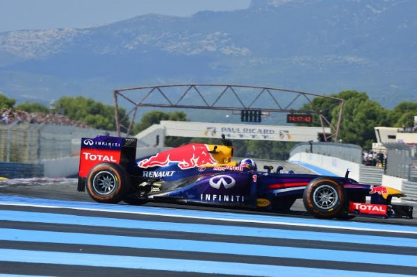 WSR-2014-PAUL-RICARD-DAVID-COULTHARD-en-démonstration-au-volant-de-la-F1-RED-BULL-RENAULT-Photo-Max-MALKA