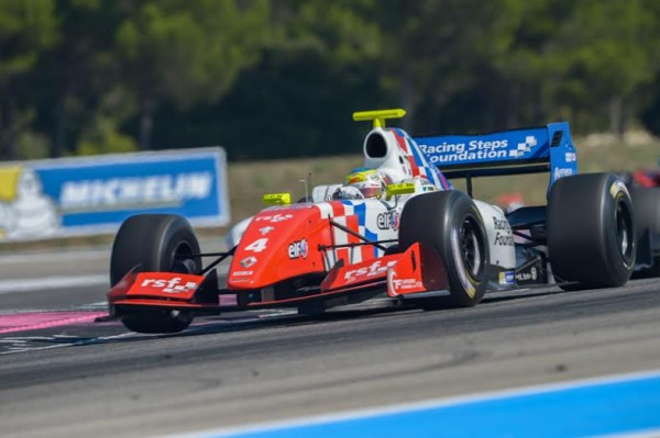 WSR-2014-PAUL-RICARD-Le-Britannique-Oliver-ROWLAND-dans-la-seconde-course-Photo-Antoine-CAMBLOR.