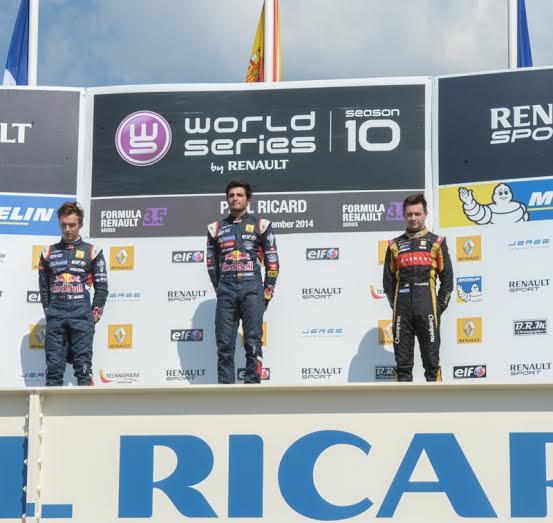 WSR-2014-PAUL-RICARD-Les-trois-premiers-dur-le-podium-de-la-1ére-course-SAINZ-GASLY-VAXIVIERE-Photo-Antoine-CAMBLOR