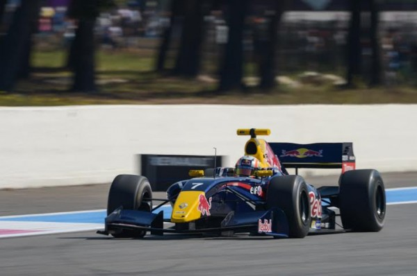 WSR-2014-PAUL-RICARD-Pierre-GASLY-Team-ARDEN-2éme-de-la1ére-course-Photo-Antoine-CAMBLOR