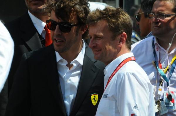 24-HEURES-DU-MANS-2014-Alan-McNish-desormais-AMBASSADEUR-pour-AUDI-et-Fernando-Alonso-Photo-Patrick-Martinoli