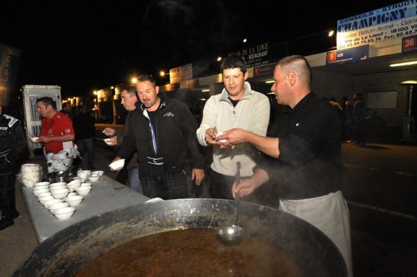 24 HEURES KARTING ALPINE SIGNATECH -La soupe à loignon-Photo Eric REGOUBY.j