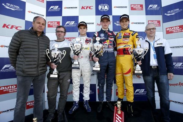 F3 2014 - HOCKENHEIM - Le podium de la 1ére course - VERSTAPPEN 1er - AUER 2éme et BLOMQVIST 3éme.