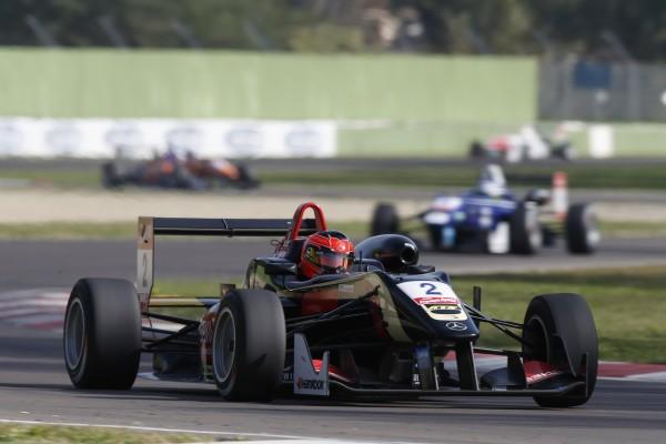F3 2014 IMOLA Podium 1ére course - ESTEBAN OCON FILE vers une nouvelle victoire ce samedi 11 octobre