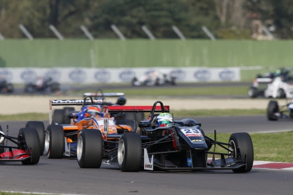 F3 2014 -IMOLA - William BULLER du Team SIGNATURE
