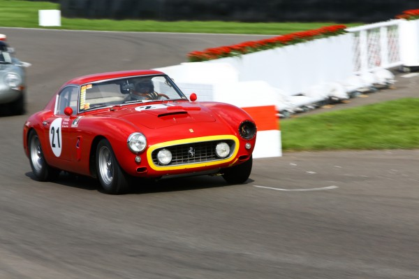 GOODWOOD-REVIVAL-2014-Derek-Bell-Ferrari-250-GT-SWBC-de-1960.