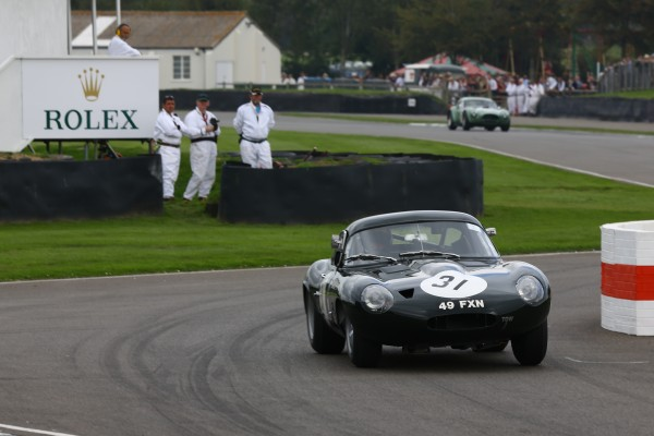 GOODWOOD-REVIVAL-2014-Ross-Warburton-et-Andrew-Newall-Jaguar-E-Type-LighweigtLow-Drag-de-1963