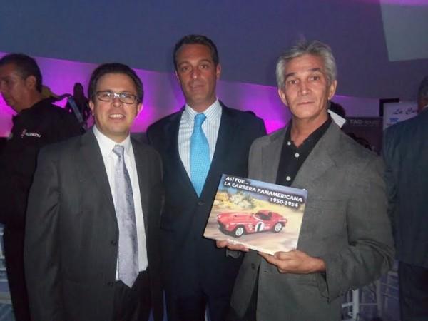 PANAMERICANA 2014 -  Jose-Hernandez-Padilla-auteur-dun-livre-sur-la-PANAMRICANA-des-années-50-avec-Carlos-SLIM-le-fils-du-patron-de-TEMEX-le-sponsor-de-la-CARRERA-et-Carlos-Cordero Directeur de course