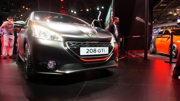 MONDIAL-AUTO-PAROS-2014-la-PEUGEOT-208-GTI
