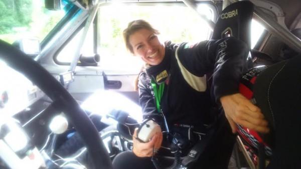 PANAMERICAINE-2014-Un-peu-de-douceur-dans-un-monde-de-brutes-Isabelle-de-Sadeleer-la-copilote-dErik-Comas.