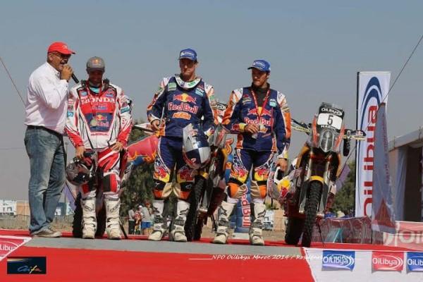 RALLYE-OILYBIA-DU-MAROC-2014-Le-podium-moto-COMO-SUNDERLAND-et-RODRIGUES.