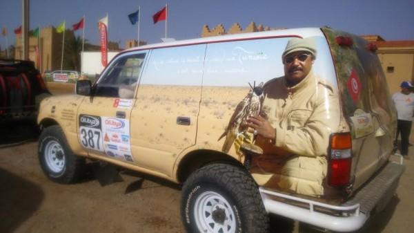 RALLYE OILYBIA DU MAROC 2014 - Une déco très couleur locale pour cette Toyota tunisienne.j