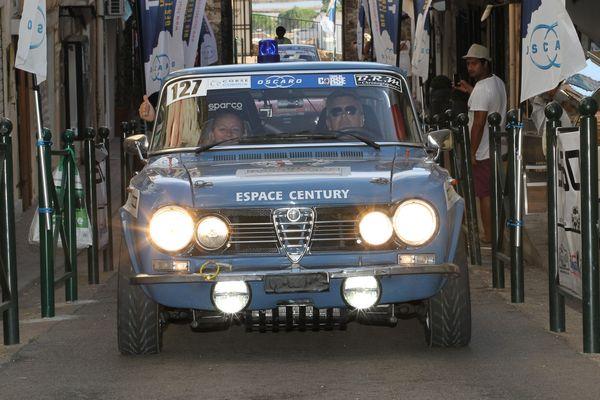 TOUR-DE-CORSE-HISTORIQUE-2014-ALFA-GIULIA-Carole-et-Philippe-GUYOT-HAASE-FOTO-CLASSIC-Autonewsinfo