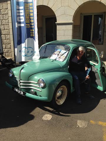 TOUR-DE-CORSE-HISTORIQUE-2014-La-4CV-de-Francois-FANCELLU en Exposition dans le village VIP