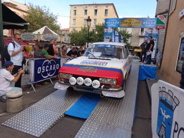 TOUR-DE-CORSE-HISTORIQUE-2014-PEUGEOT-504-Coupe-V6-de-jEAN-PIERRE-MADER-et-Jean-MICHEL-CARRIERE-Photo-autonewsinfo