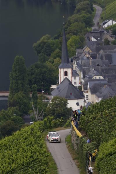 WRC-2014-ALLEMAGNE-Kris-MEEKE-et-sa-DS3-